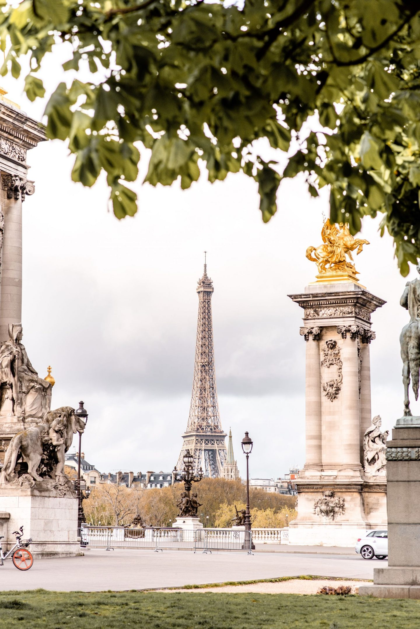 The Best Eiffel Tower Photo Spots in Paris