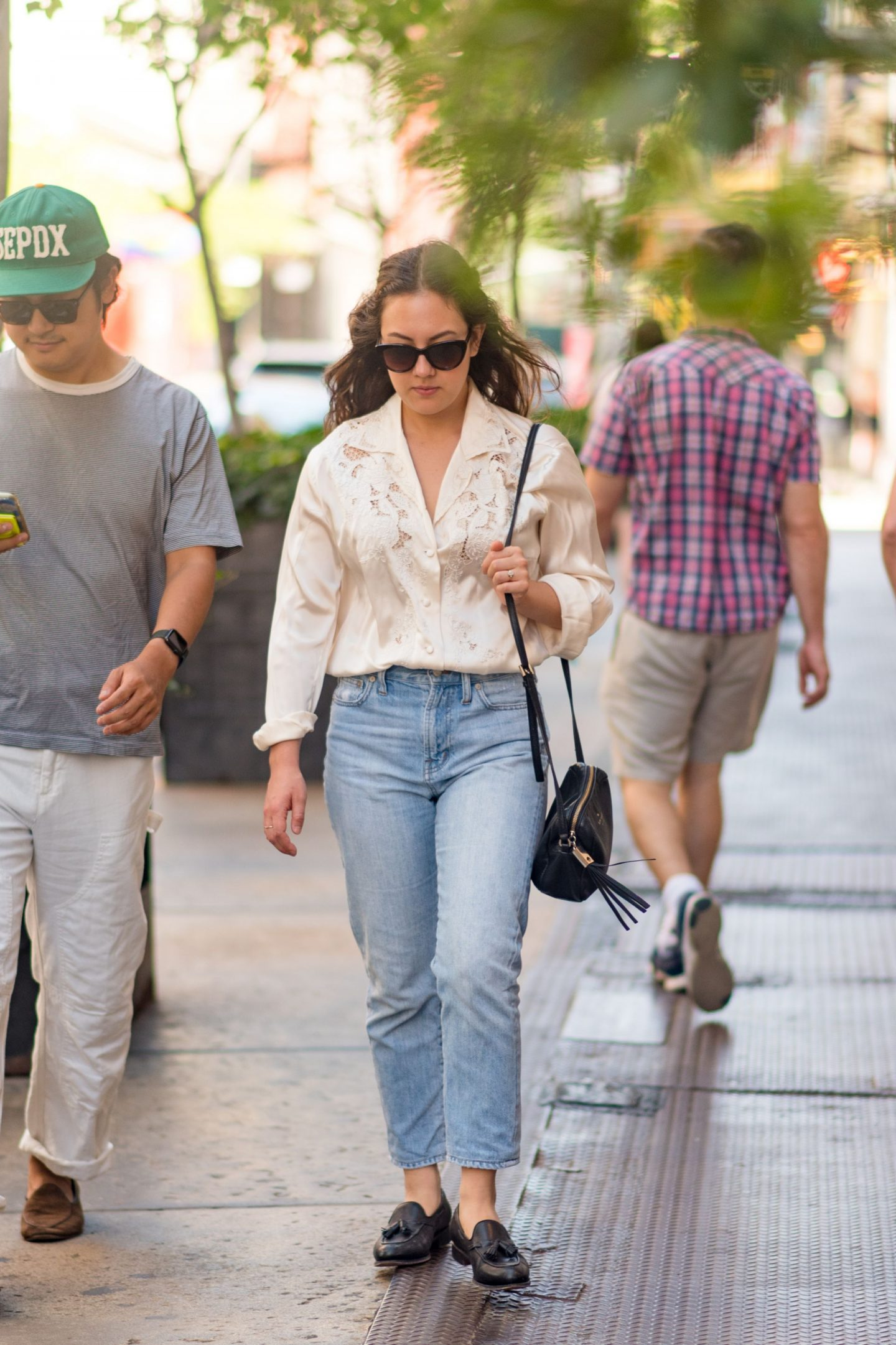 NYC street style fall outfit idea - woman wearing everyday casual fall outfit - Karya Schanilec NYC fashion photographer